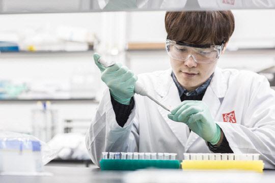 [바이오기획] 아낌없는 R&D 투자 … 세계 `최초·최고` 혁신신약 개발 정조준
